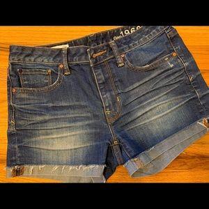 Gap Slim Cut Off Shorts - Size 26